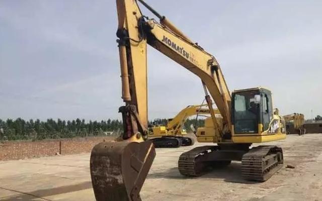 小松挖掘机_认证整备车_HB205-1