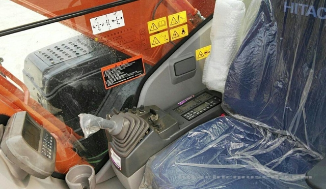日立挖掘机ZX240-3_2020年出厂9小时