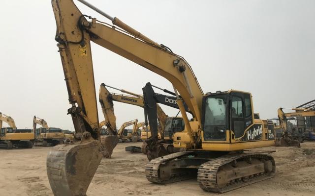 小松挖掘机HB205-1