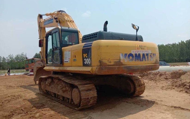 小松挖掘机PC300-8M0