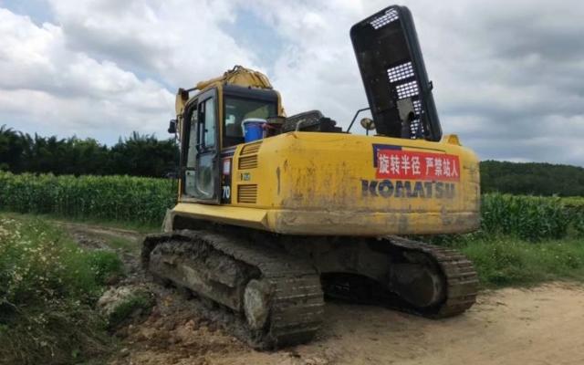 小松挖掘机PC270-8