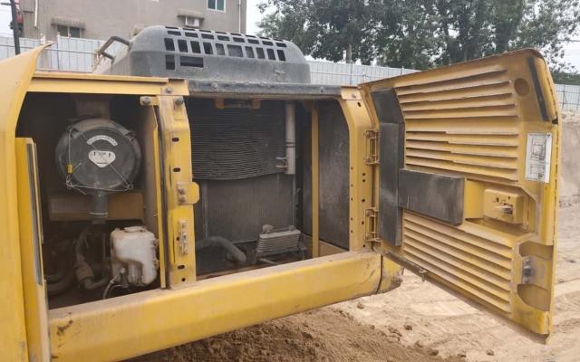 小松挖掘机HB205-1_2011年出厂4992小时