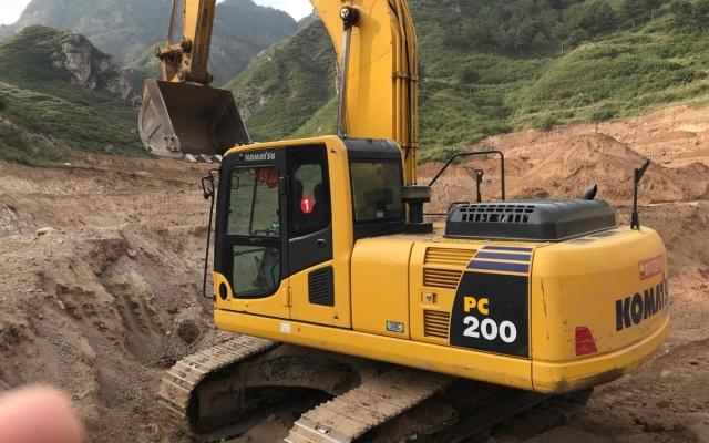 小松挖掘机PC200-8M0