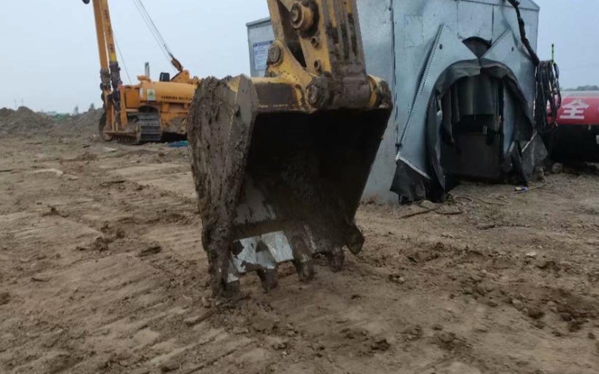 小松挖掘机PC220-8M0_2017年出厂2761小时