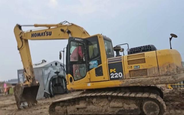 小松挖掘机PC220-8M0