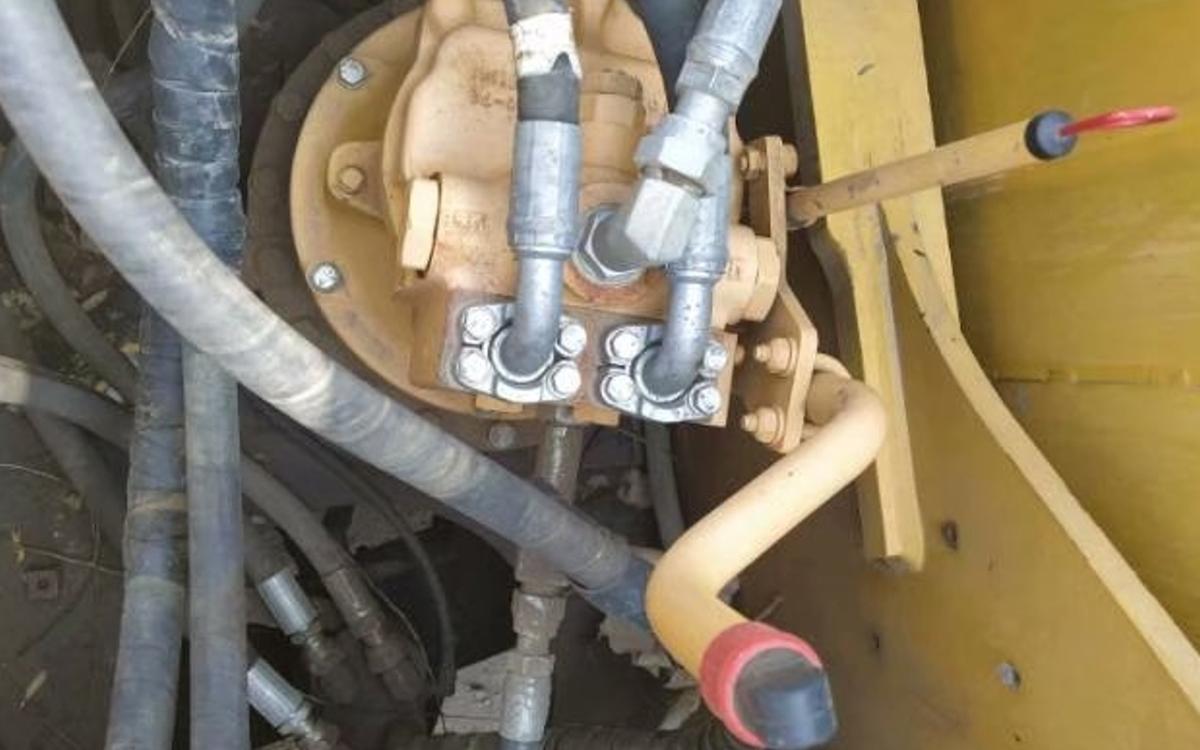 小松挖掘机HB205-1_2011年出厂7940小时
