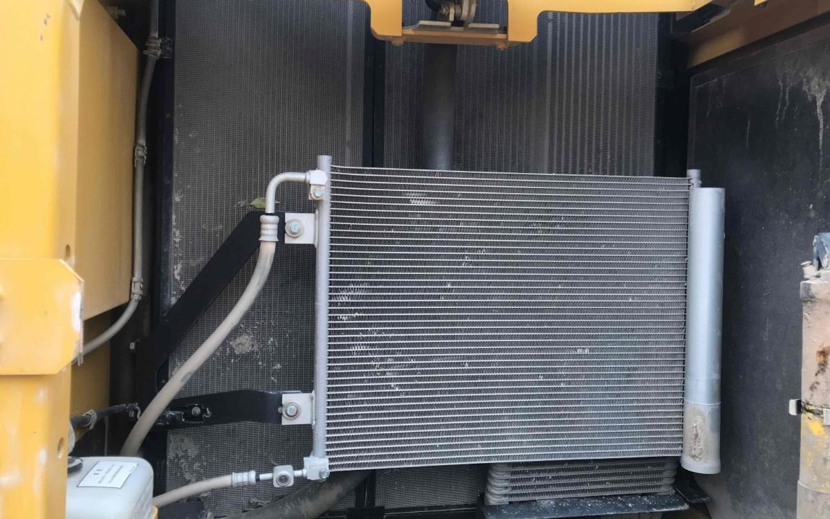 小松挖掘机PC220-8M0_2018年出厂1876小时