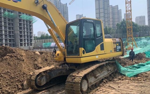 小松挖掘机PC200LC-8M0_2019年出厂2329小时