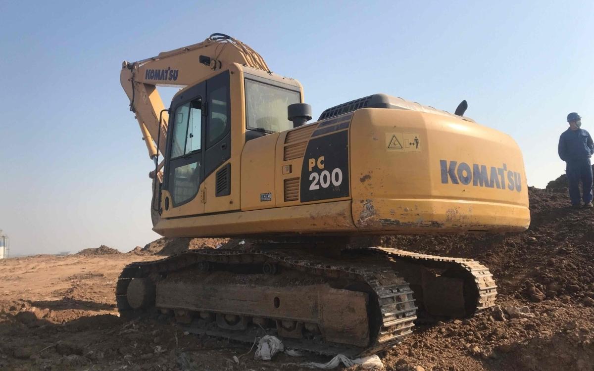 小松挖掘机HB205-1_2011年出厂9094小时