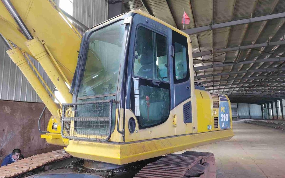 小松挖掘机PC210-8M0_2014年出厂4665小时