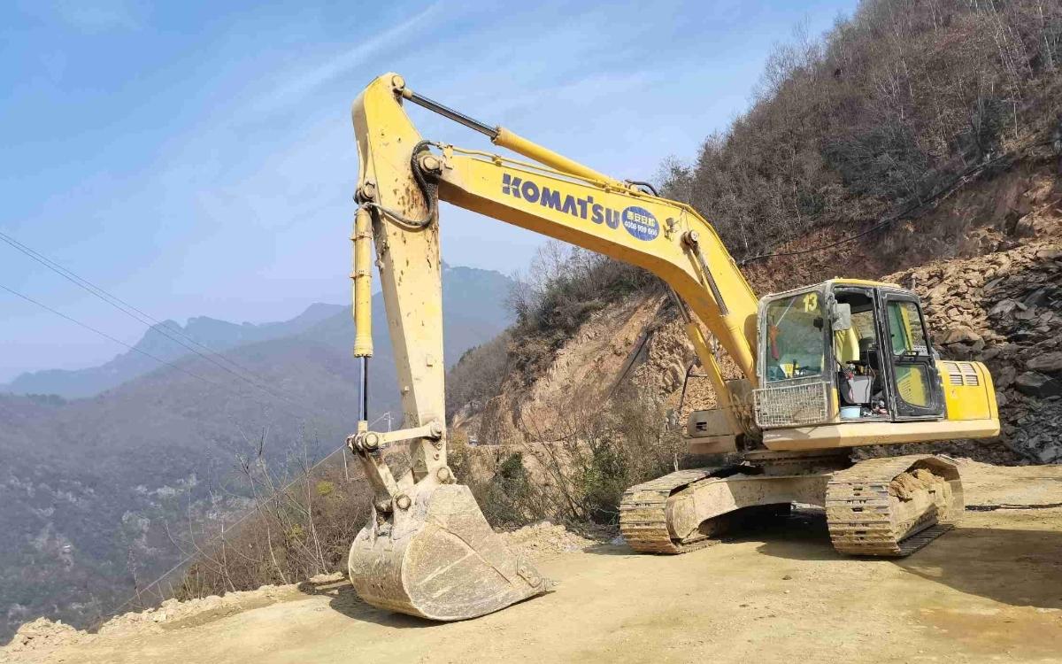 小松挖掘机PC215HD-10M0_2020年出厂2594小时