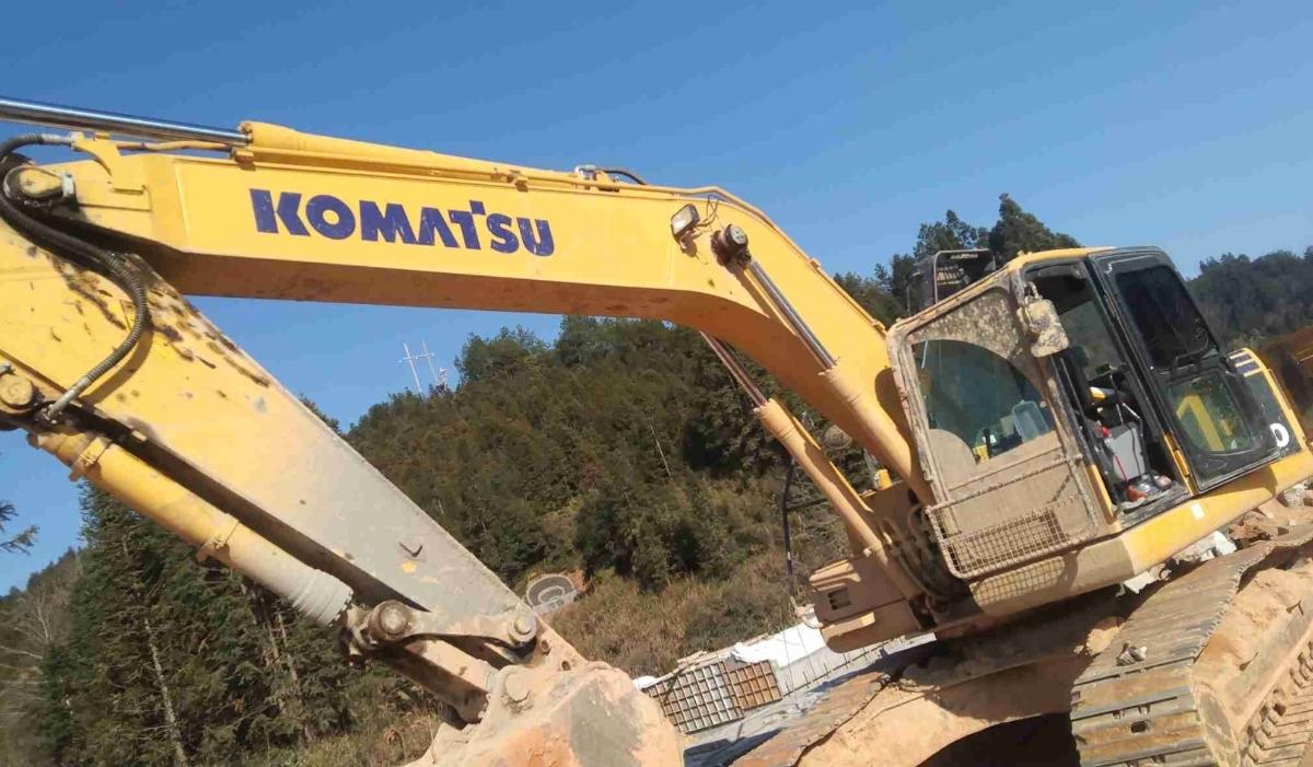 小松挖掘机PC220-8M0_2020年出厂2167小时