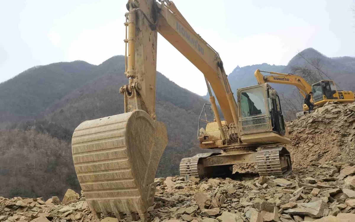 小松挖掘机PC215HD-10M0_2020年出厂2951小时
