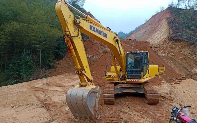 小松挖掘机_高端循环机_PC200LC-8M0