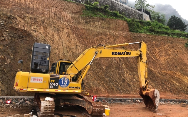小松挖掘机_高端循环机_PC240LC-8M0
