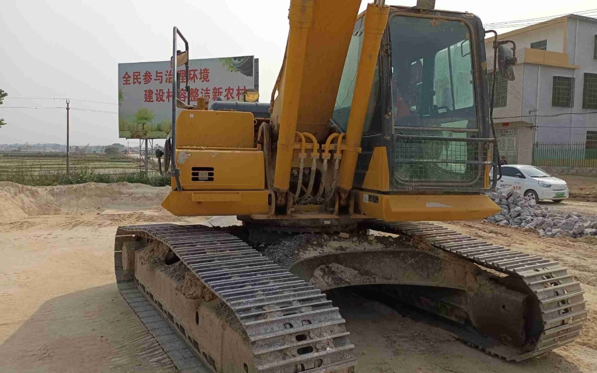 小松挖掘机_高端循环机_PC215HD-10M0_2020年出厂2333小时