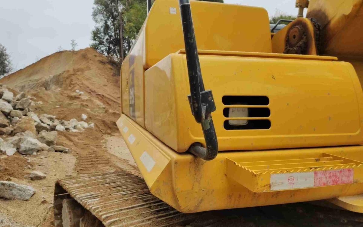 小松挖掘机PC215HD-10M0_2020年出厂1980小时