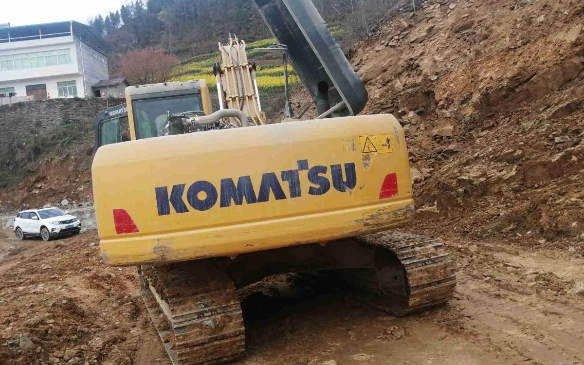 小松挖掘机PC215HD-10M0_2020年出厂3073小时