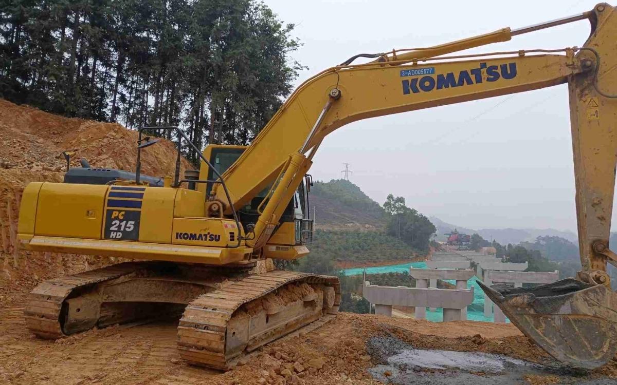 小松挖掘机_高端循环机_PC215HD-10M0_2020年出厂2120小时