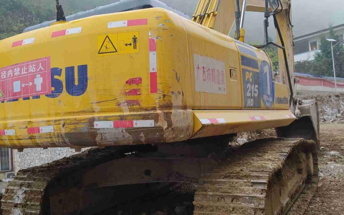 小松挖掘机PC215HD-10M0_2020年出厂2025小时