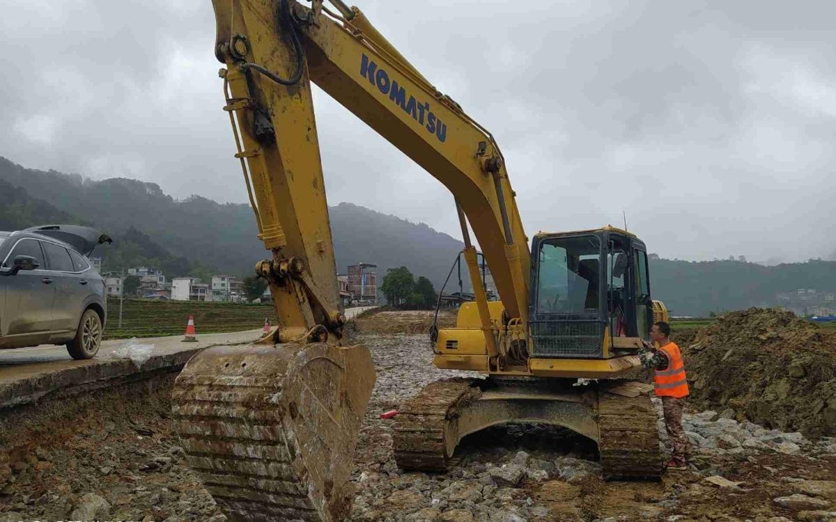 小松挖掘机_高端循环机_PC215HD-10M0_2020年出厂2651小时