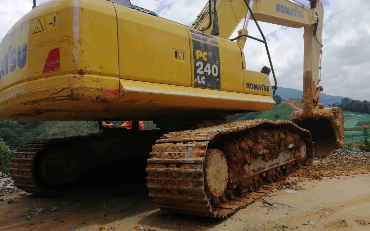 小松挖掘机PC240LC-8M0_2020年出厂1104小时