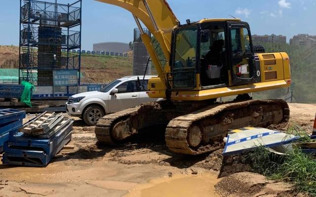 小松挖掘机_高端循环机_PC240LC-8M0_2020年出厂749小时