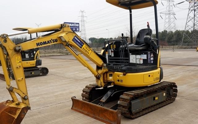 小松挖掘机PC20MR-3