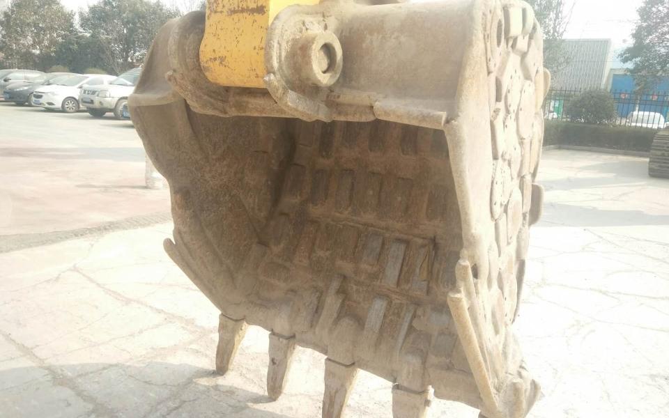 小松挖掘机PC360-7_2013年出厂9500小时