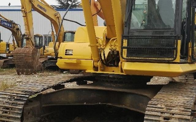小松挖掘机__PC240LC-8