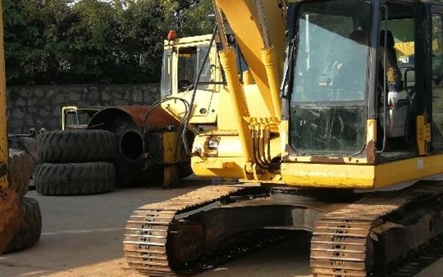 小松挖掘机PC130-7