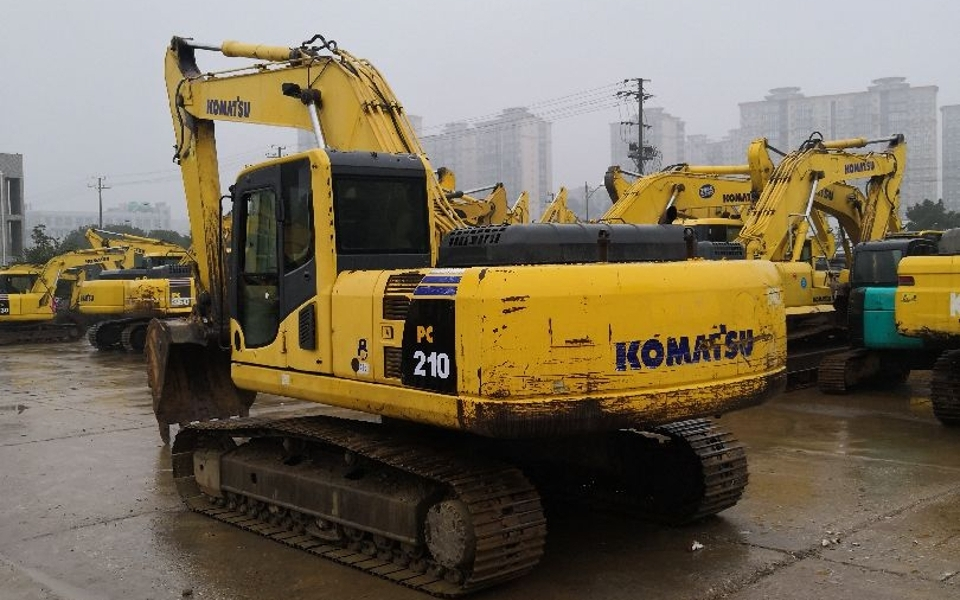 小松挖掘机PC210LC-8_2009年出厂8282小时