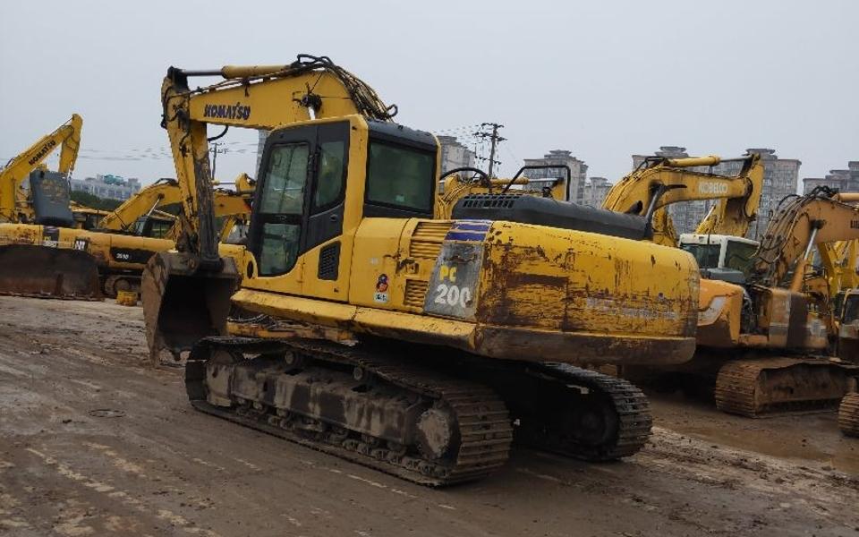 小松挖掘机PC200-8_2010年出厂15585小时