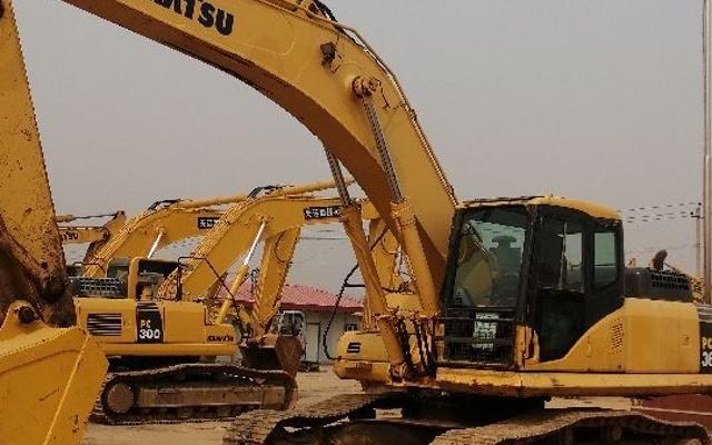 小松挖掘机PC360-7_2011年出厂8349小时