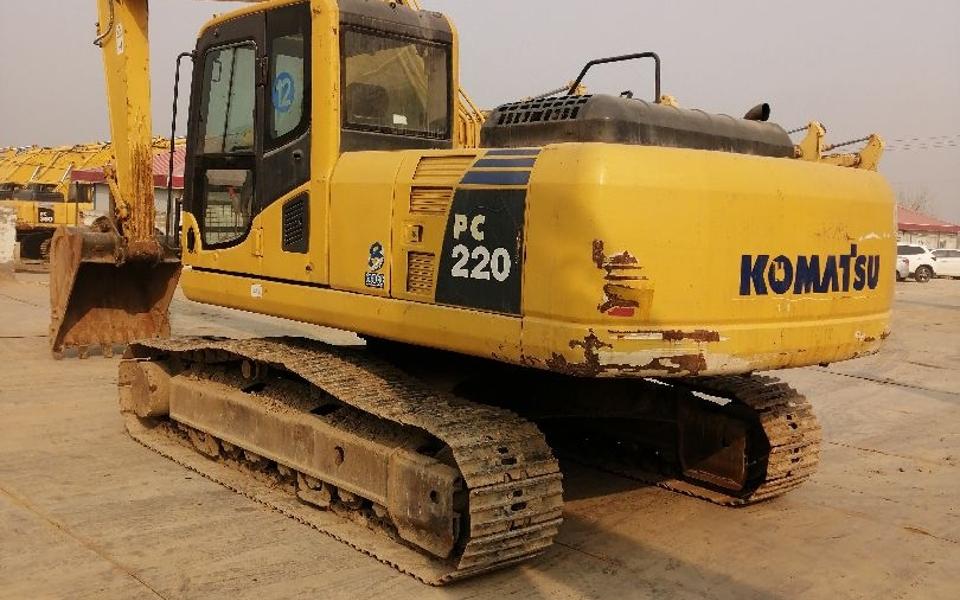 小松挖掘机PC220-8_2008年出厂8121小时
