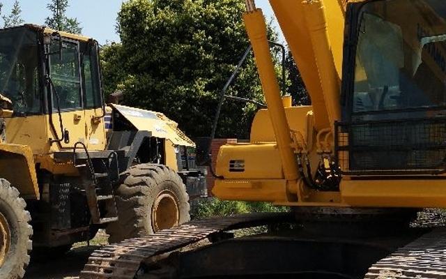 小松挖掘机PC240LC-8_2011年出厂12854小时