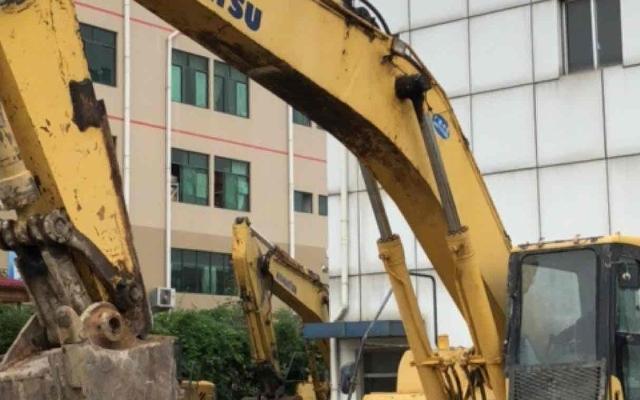 小松挖掘机PC450LC-7
