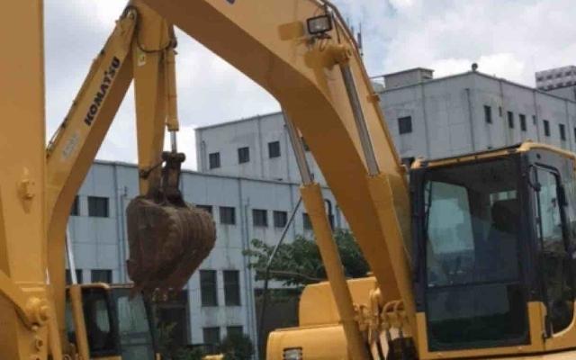 小松挖掘机PC210LC-8M0