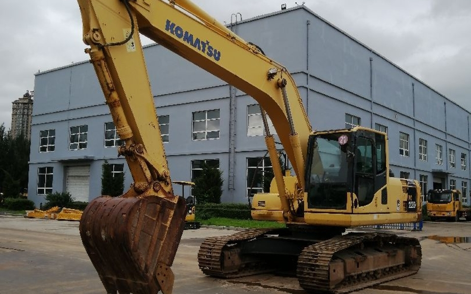 小松挖掘机PC220-8_2011年出厂3302小时