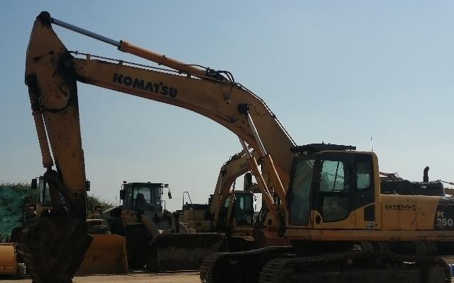 小松挖掘机PC350-8