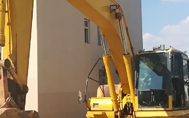 小松挖掘机PC240LC-8