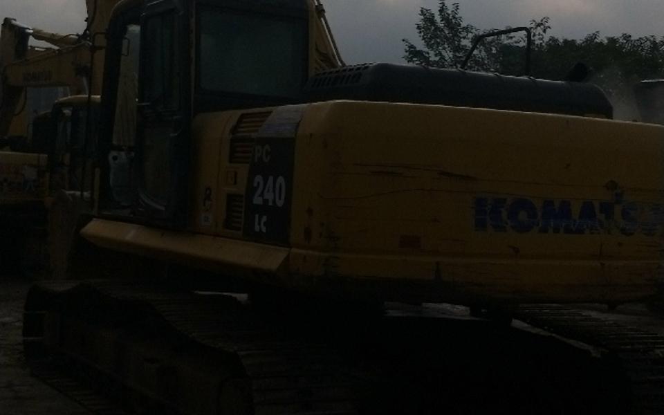 小松挖掘机PC240LC-8_2010年出厂16879小时