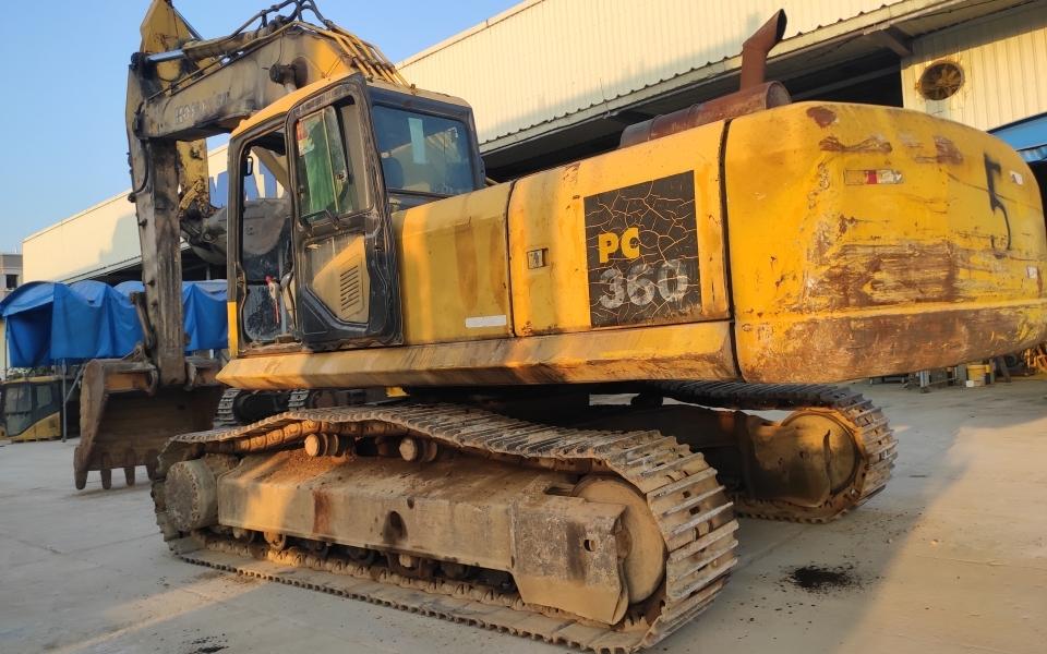 小松挖掘机PC360-7_2004年出厂28968小时