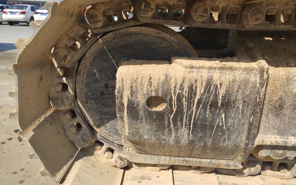 小松挖掘机PC200-7_2005年出厂13429小时