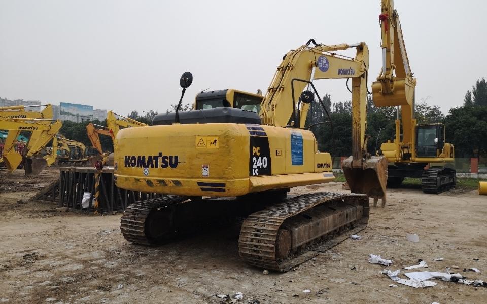 小松挖掘机PC240LC-8_2010年出厂12439小时