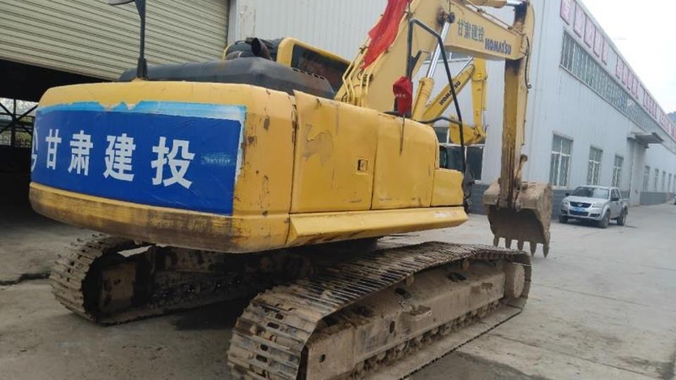 小松挖掘机PC240LC-8_2011年出厂10945小时