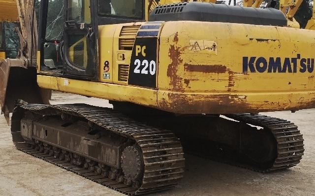 小松挖掘机PC220-8