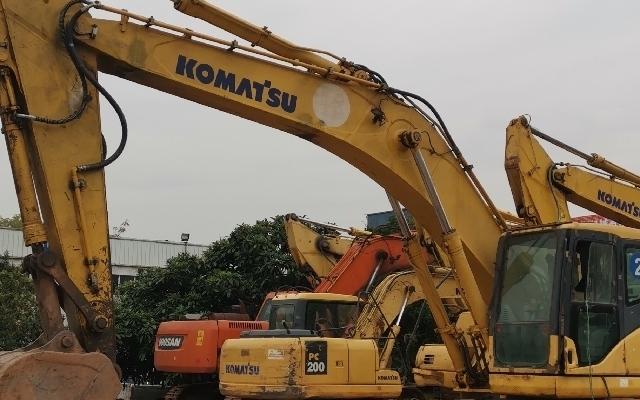 小松挖掘机PC300-7