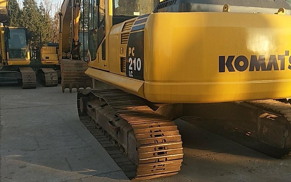 小松挖掘机PC210LC-8_2010年出厂8702小时