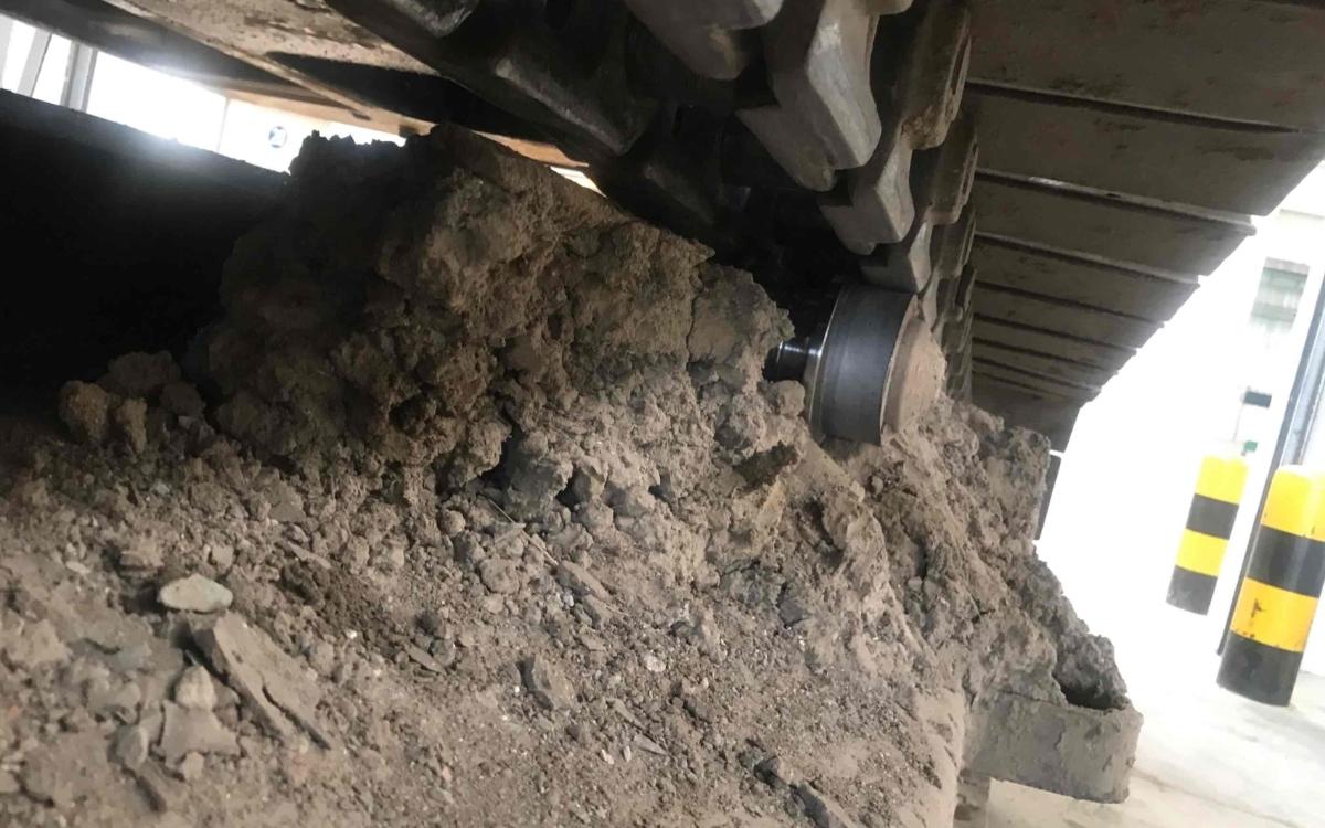 小松挖掘机PC210LC-8_2011年出厂14356小时